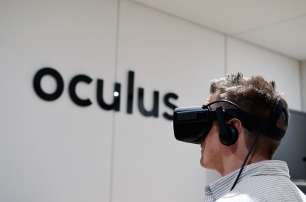 oculus-rift-cv1-e3-2015-paul-james.jpg