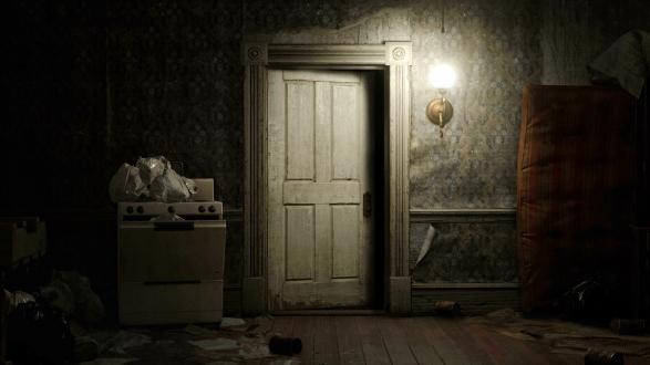 Resident Evil 7 door