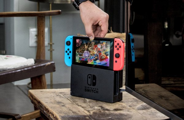 nintendo switch coming out of dock